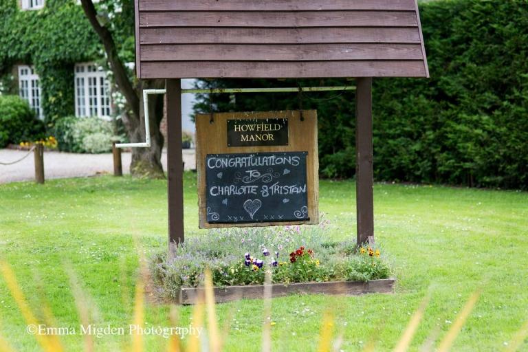 Howfield Manor Wedding//Emma Migden Photography